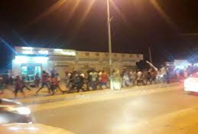 برماني يندد بإقتحام المنازل من قبل القوات النظامية
