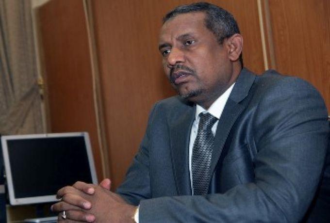 الفاتح عز الدين يكشف سبب إعفاء بكري حسن صالح