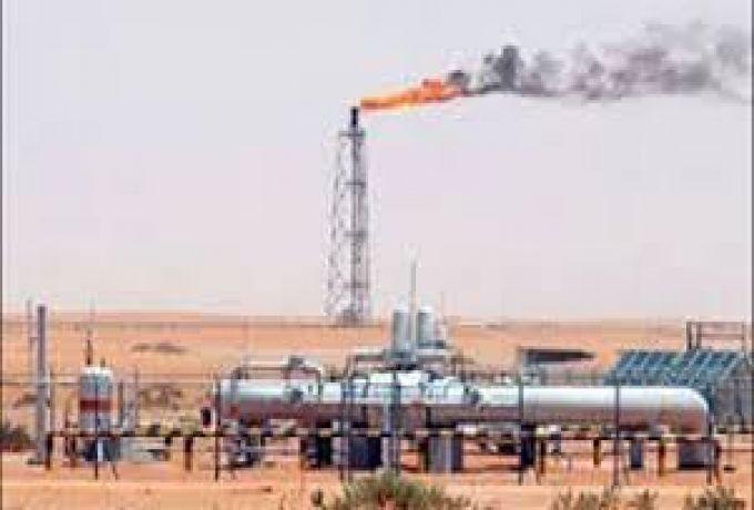 وزير النفط يدعو لزيادة الانتاج وتطوير القطاع