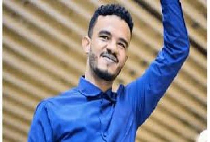 طرد حسين الصادق من ساحة التظاهرات للمرة الثانية