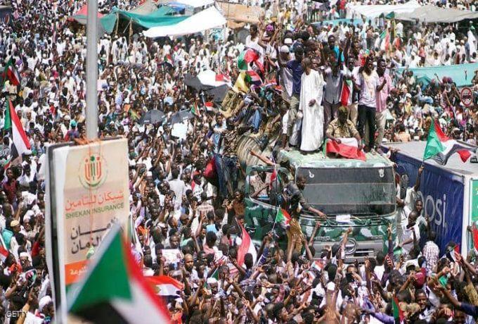 قوي الحرية والتغيير ترتب لإضرابات شاملة