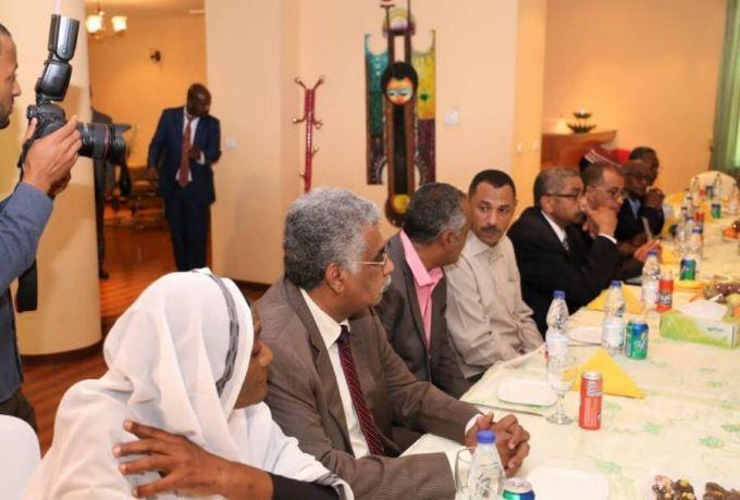 """قوى الحرية والتغيير لرئيس الوزراء الاثيوبي  .. لن نجلس مع """"العسكري"""" الا للتسليم والتسلم"""