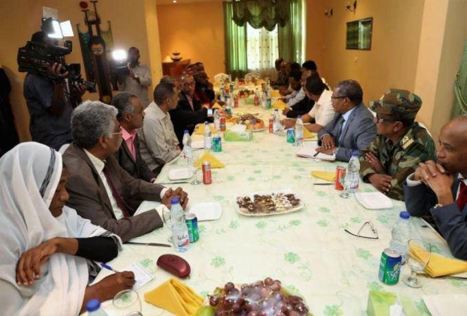 ابي احمد يختتم زيارته للخرطوم بمطالبة المجلس والقوى السياسية بالبعد عن الاطراف غير السودانية