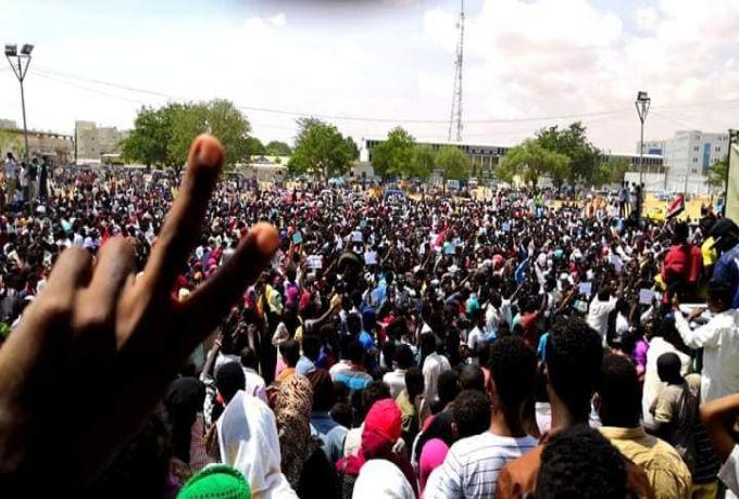 """أطباء السودان: 4 قتلى و13 إصابة بمليونية """"القصاص والعدالة"""" في أم درمان"""