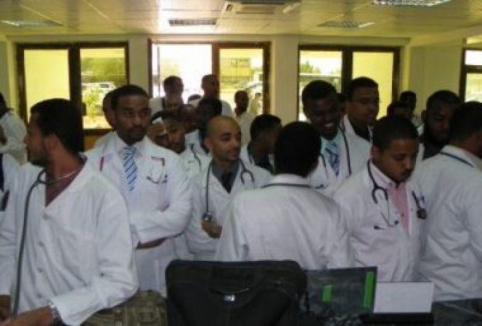 الأمين السياسي لحزب الشورى الفدرالي يكشف سبب غياب الرعاية الصحية لسكان القرى بولاية البحر الأحمر وتحول مستشفيات الى مخازن
