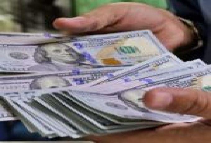 حملات مكثفة ضد تجار العملة والدولار يواصل الصعود