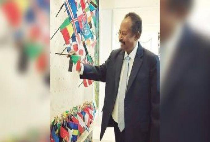 مفكر سوداني: زيارة حمدوك الى واشنطن تأتي في توقيت خاطئ