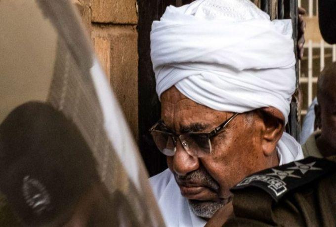 الرئيس المخلوع يواجه عقوبة الإعدام لدوره في انقلاب ١٩٨٩