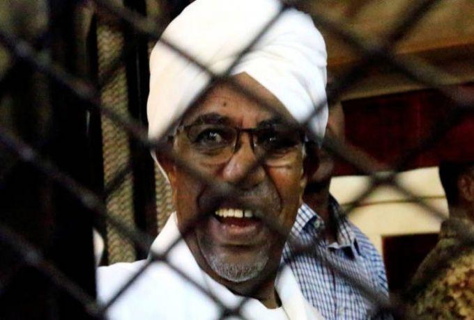 بلاغات جديدة في الخرطوم ضد البشير وأحمد هارون
