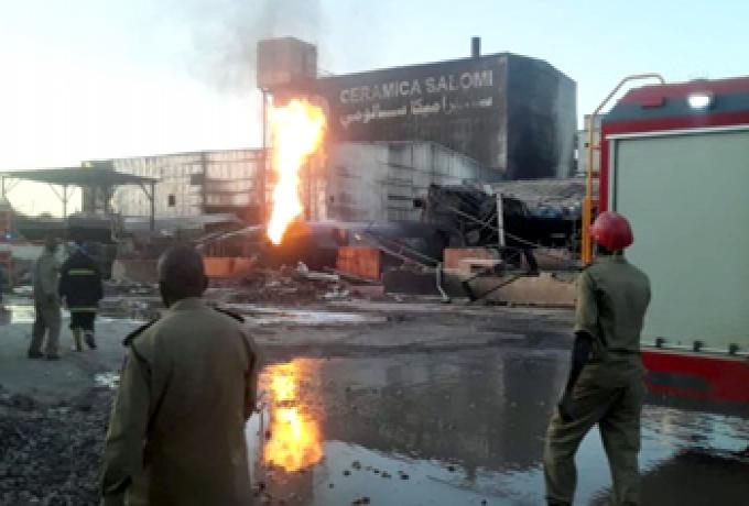 """رئيس مجلس السيادة البرهان يتفقد مصابي حريق مصنع """"السيراميك"""" بمستشفى الأمل"""