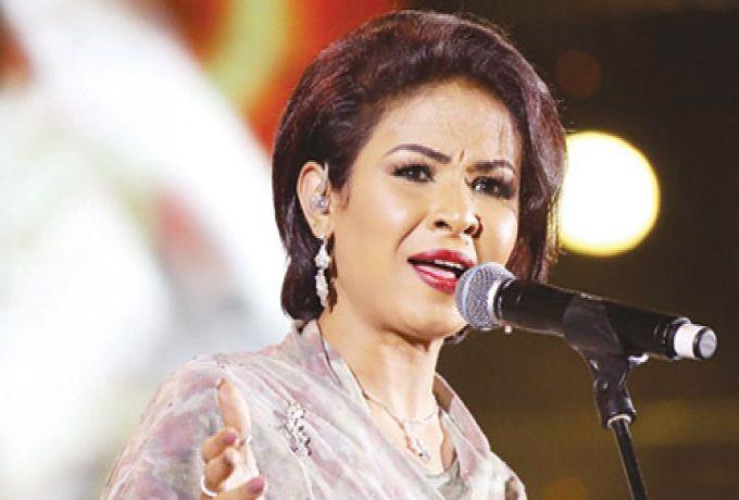 الخرطوم : نانسي عجاج تخطف الأضواء في الرياض