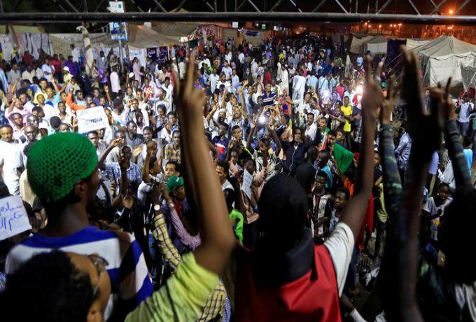 الخرطوم..حصاد 2019 : عام لن ينساه السودانيون… قصة ثورة أطاحت أعتى ديكتاتورية
