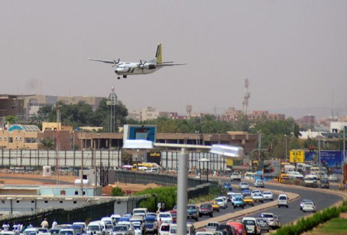 مصر تعزل 14 راكبًا بمطار القاهرة وصلوا من السودان