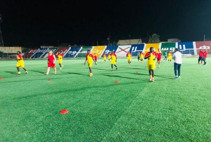 مدير الكرة بالمريخ يوضح أسباب غياب الثلاثي عن لقاء العرب