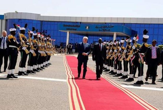 الرئيس الألماني يختتم زيارته ويغادر البلاد