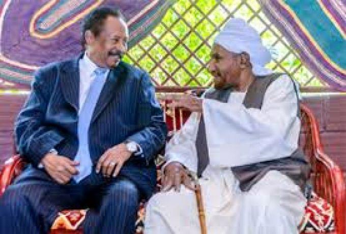لقاء مرتقب بين الإمام الصادق وحمدوك