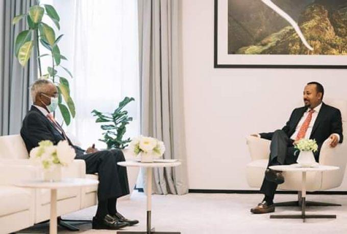 نجاح زيارة السفير عمر مانيس لأثيوبيا ود. حمدوك يغرد بقوله: