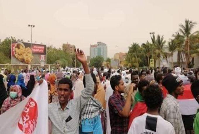 إعتقال (61) شخص في مظاهرات امس والسلطات ترفض اطلاق سراحهم بالضمان