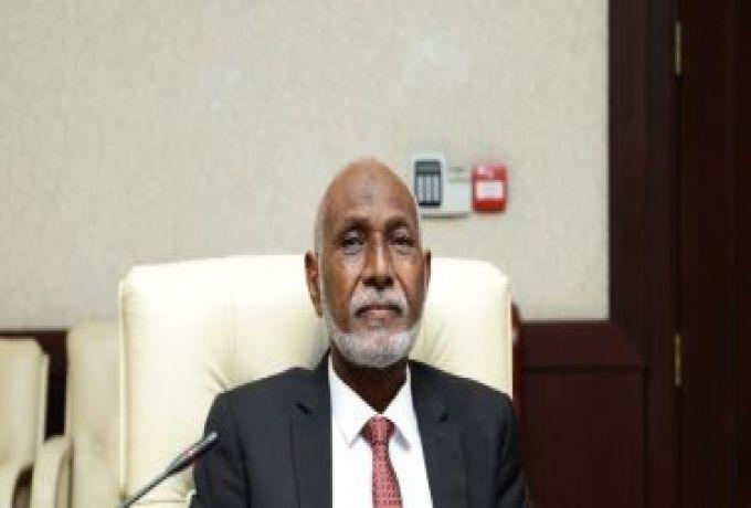 والي شرق دارفور يطالب المديرين العامين الجدد بتنفيذ برامج الثورة