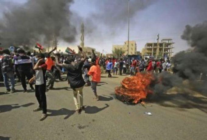 تشكيل لجنة لمؤتمر شرق السودان لتجاوز الخلافات بين مكوناته والمحتجون يتراجعون عن إغلاق ميناء بورتسودان بعد تهديدات الحكومة