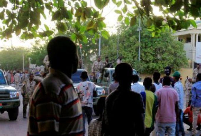 الثوار يغلقون أبواب محلية أبوزبد احتجاجاً على طريقة تنفيذ توصيل الكهرباء