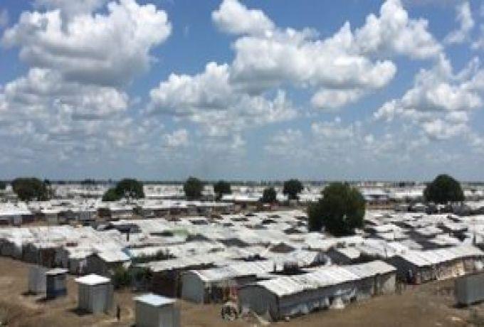 لسلطات الأوغندية تشرع في نقل لاجئي جنوب السودان إلى مخيم جديد بعد أعمال العنف