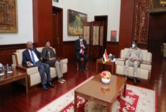 نائب رئيس مجلس السيادة يؤكد تعاونهم مع المدعية الحنائية