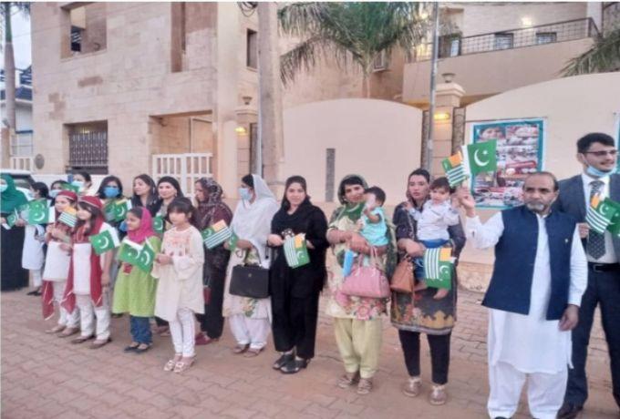 """السفارة """"الباكستانية"""" بالخرطوم تدين الأنتهاكات الوحشية ضد"""" 8 مليون"""" من"""" الكشميرين"""" الخاضعين للحصار"""