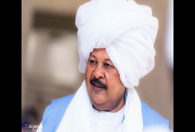 كمال ترباس لـ(مصطفي عبدالقادر):(انت زول تفاف مفتكر نفسك أمام مسجد في مكة المكرمة )