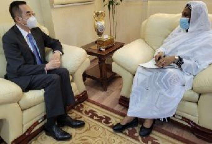 المهدي تلتقي سفير الصين بالخرطوم